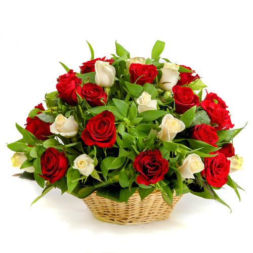 Купить в Харькове Корзина роз №75
