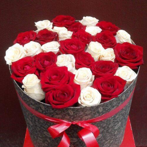 Купить в Харькове Коробка роз №83