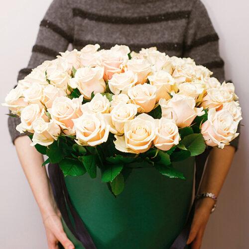 Купить в Харькове Коробка роз №79