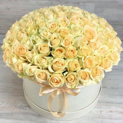 Купить в Харькове Коробка роз №102